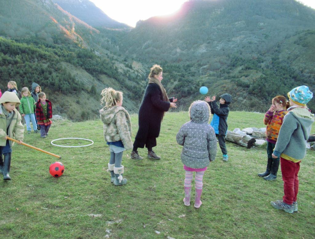 Ecole d'Eourres - Jeux en extérieur